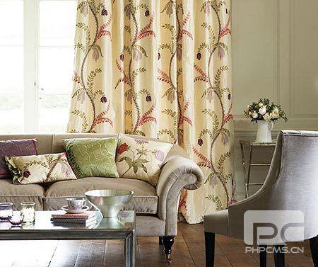 6种客厅软装搭配 聆听窗帘与沙发的对话