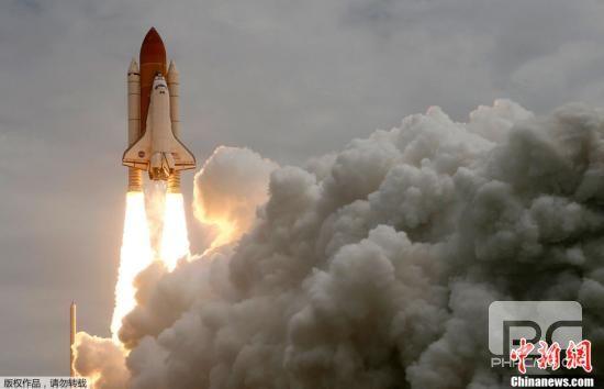 执行美国航天飞机项目第135次也是最后一次飞行