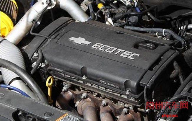 2015经典款科鲁兹引擎盖内部图解